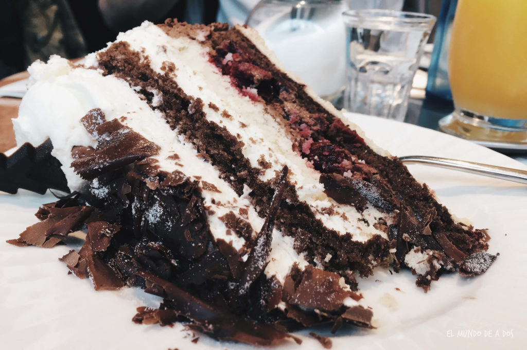 Friburg torta. Selva negra en tres dias