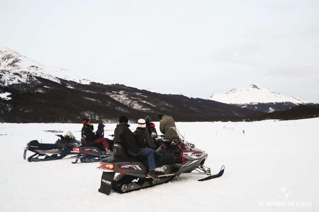 Aprendiendo a manejar una moto de nieve. Nieve y Fuego Ushuaia