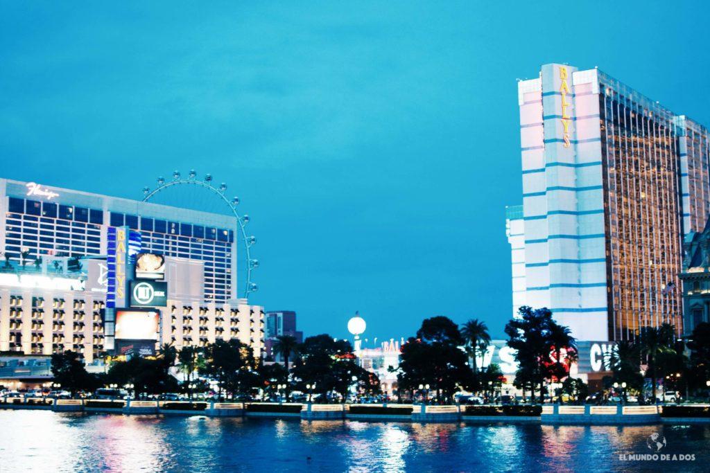 Por la noche. Las Vegas en un día