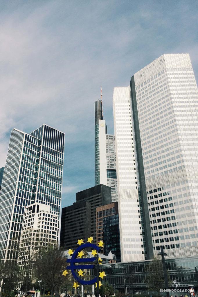 Símbolo del Euro. Que ver en Frankfurt