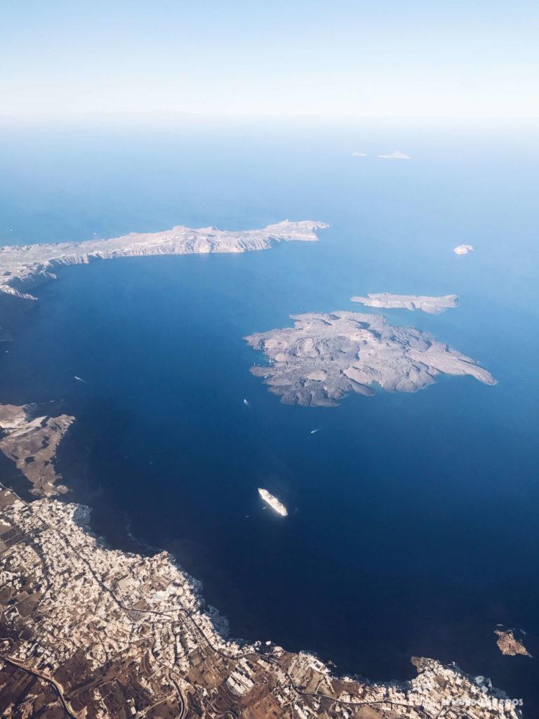 Santorini desde el aire. Caldera de Santorini