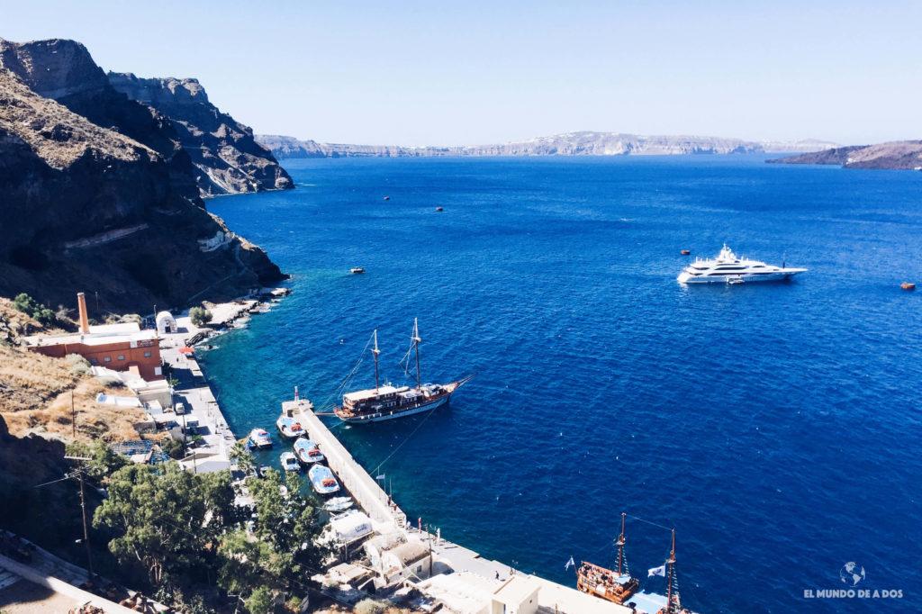 Puerto de Fira. Caldera de Santorini