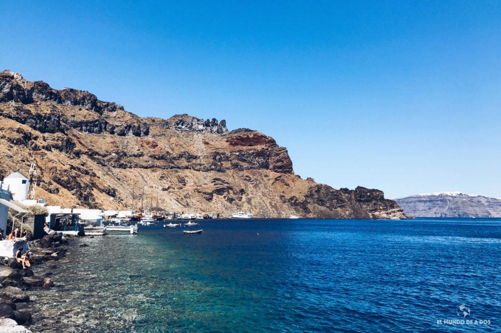Puerto de Korfos. Caldera de Santorini