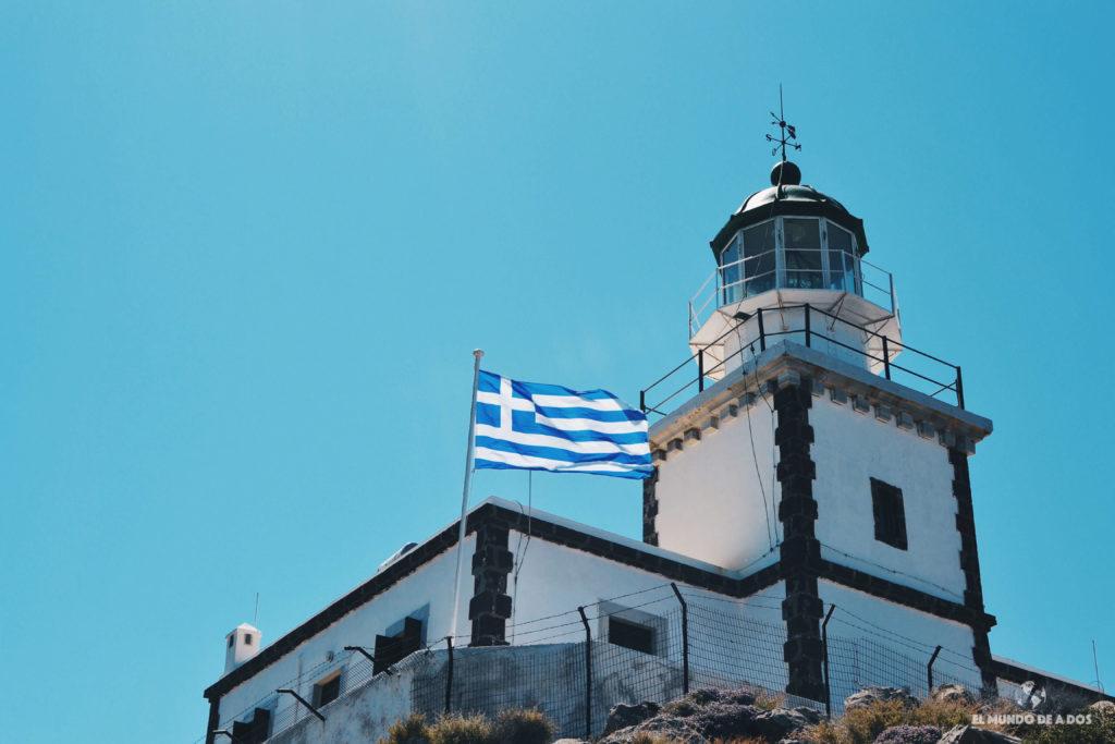 El faro de Santorini. Que ver en Santorini en 3 días