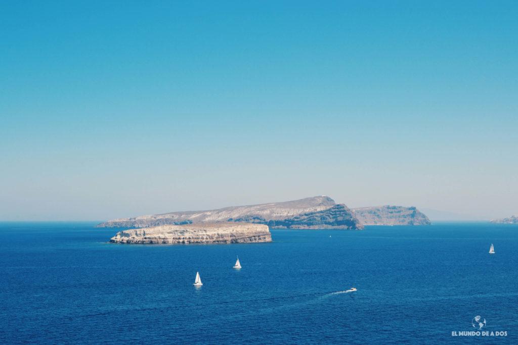 Veleros en el mar egeo. Que ver en Santorini en 3 días
