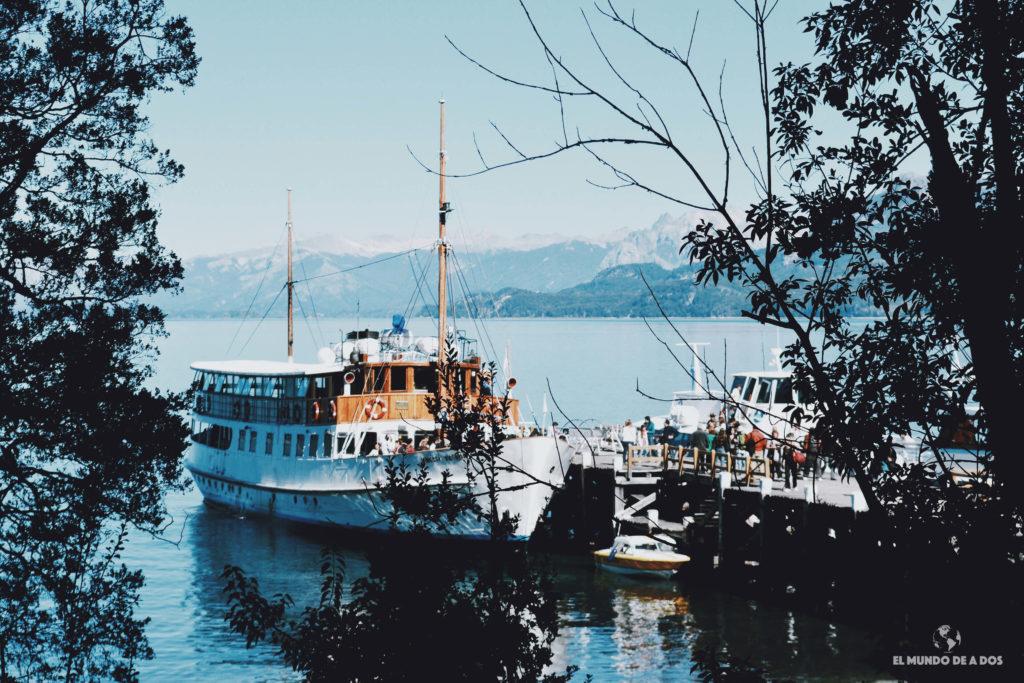 Barco Modesta Victoria. Isla Victoria y bosque de arrayanes.