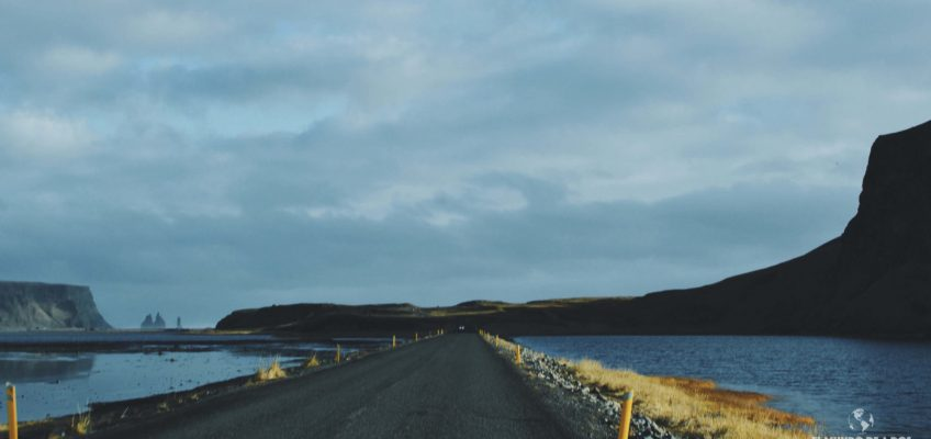 Ruta hacia Dyrhólaey. Islandia en Octubre.