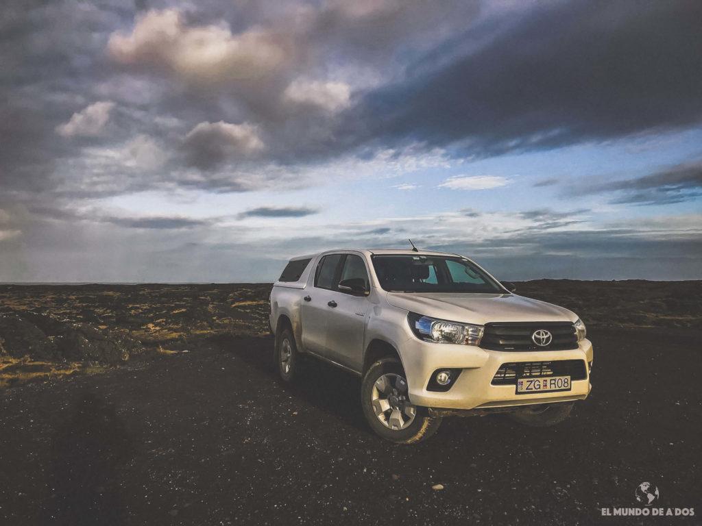 Toyota Hilux que alquilamos en Islandia. Alquiler de coche en Islandia