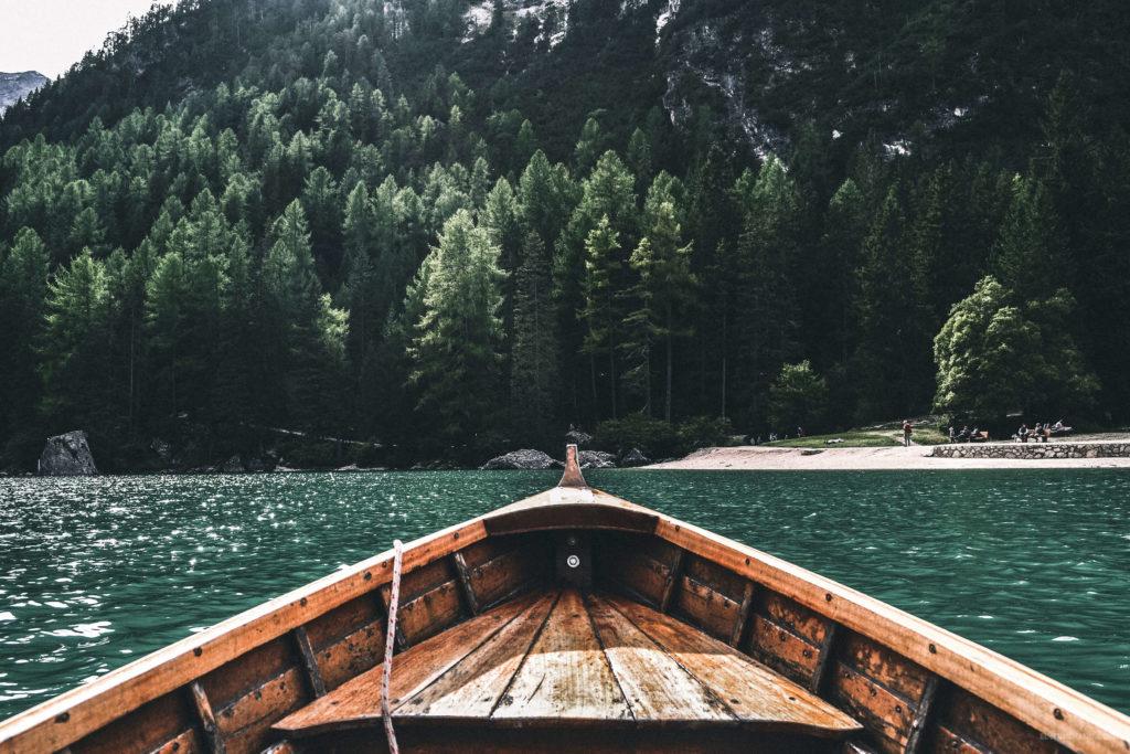 Bote de remos en Lago di Braies