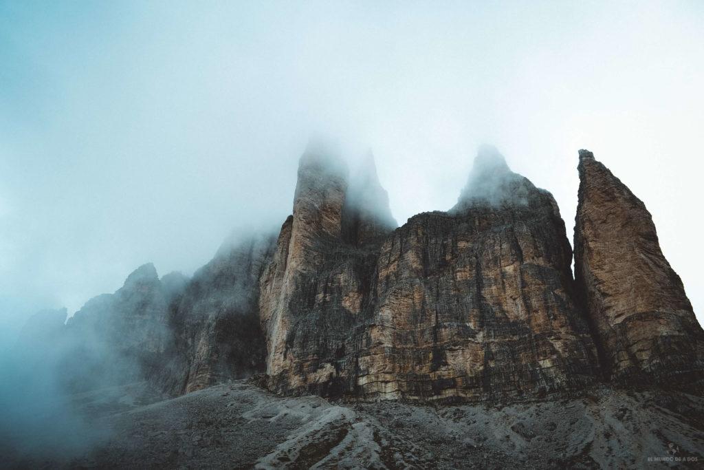Las Tres Cimas de Lavaredo entre nubes
