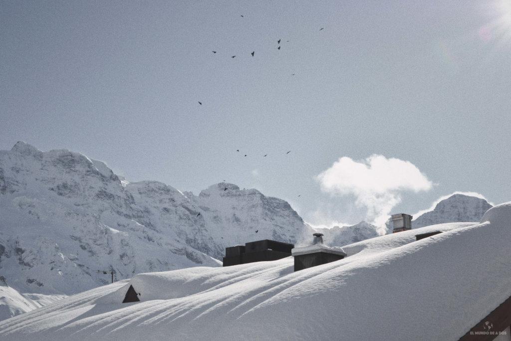 Techos de Mürren en Suiza en invierno