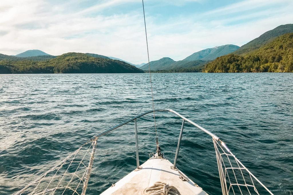 Navegando en los lagos del Sur. Que hacer en Bariloche